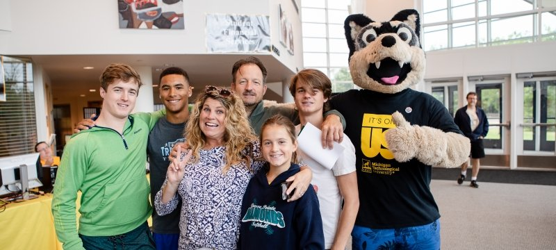 Family at move-in week.
