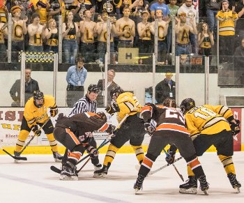 Michigan Tech in a face off with Bowling Green.