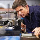 What skills do mechanical engineers need?