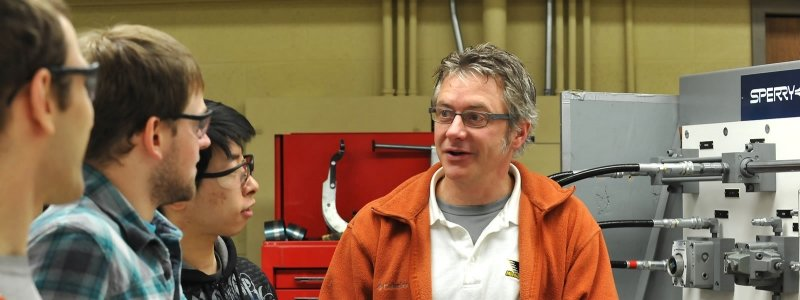 Mechanical Engineering Technology students get hands-on experience.