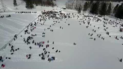 Preview image for Michigan Tech Community Snowman Build for Guinness World Record video