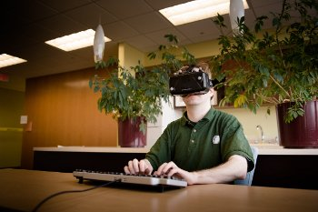 To find out how to type better with virtual reality technology, computer scientists used a light-up virtual display, autocorrect algorithms and a physical keyboard.