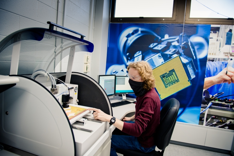 A student works in the Plexus Innovation Lab.