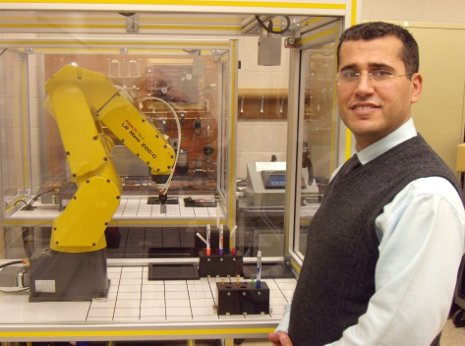 Nasser Alaraje heads a new robotics initiative in School of Technology