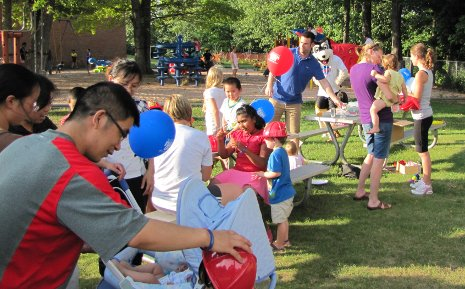 Michigan Tech hosts National Night Out 2010 at Daniell Heights