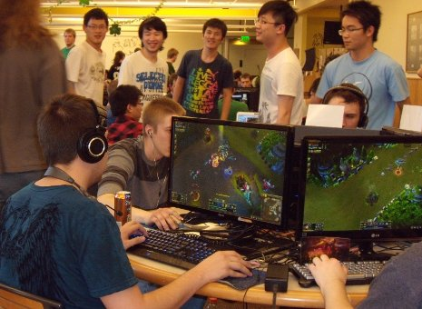 Students compete at Michigan Tech's first ever League of Legends tournament