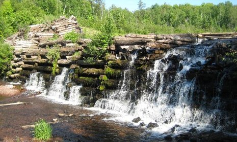 Red Ridge Dam Falls.  Photo: Jacob Emerick, Waterfalls of the Keweenaw