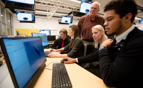 Charles Van Karsen teaches Michigan Tech mechanical engineering students to use Altair's modeling and simulation software.