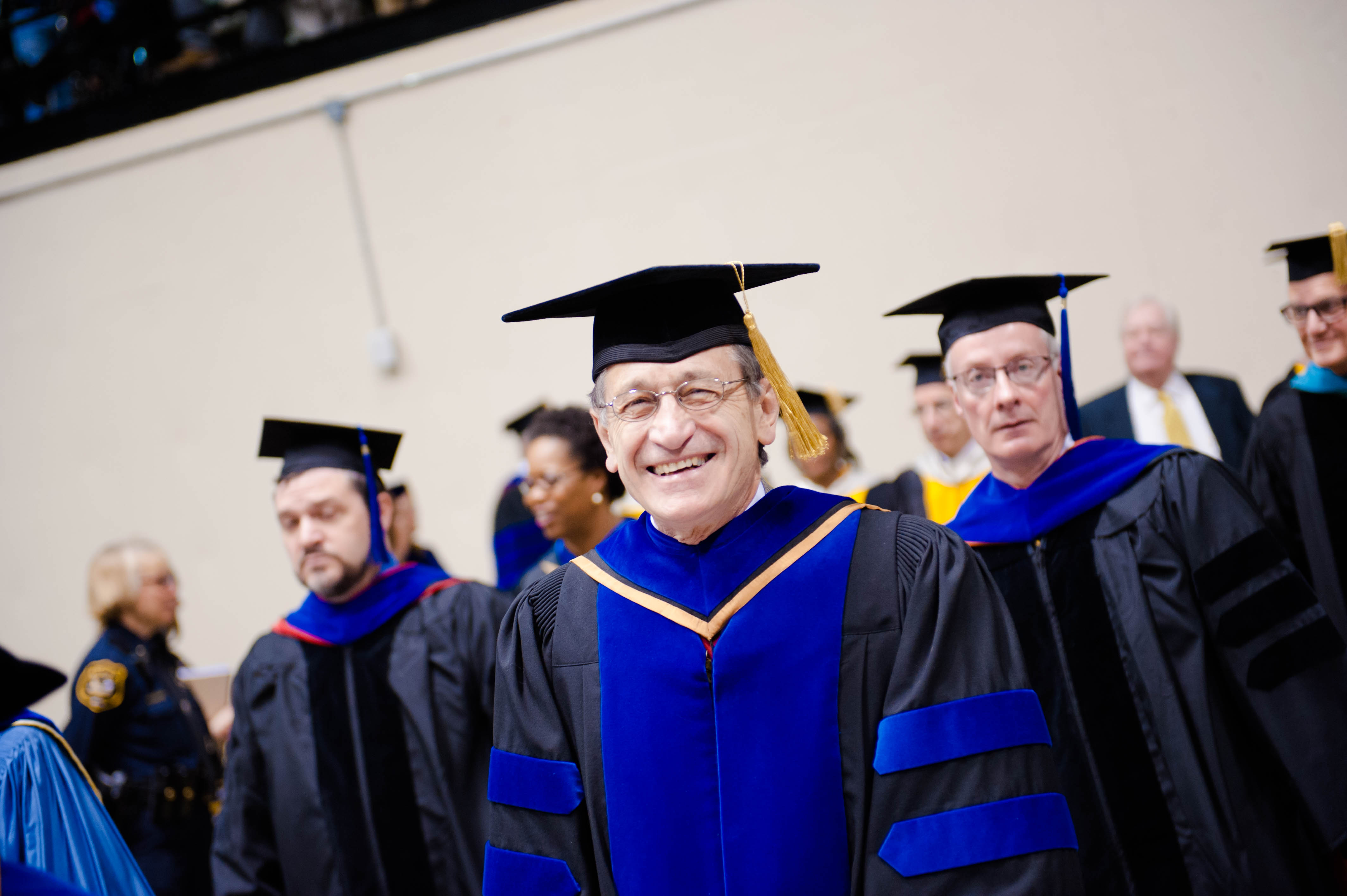 Commencement n 04302016059