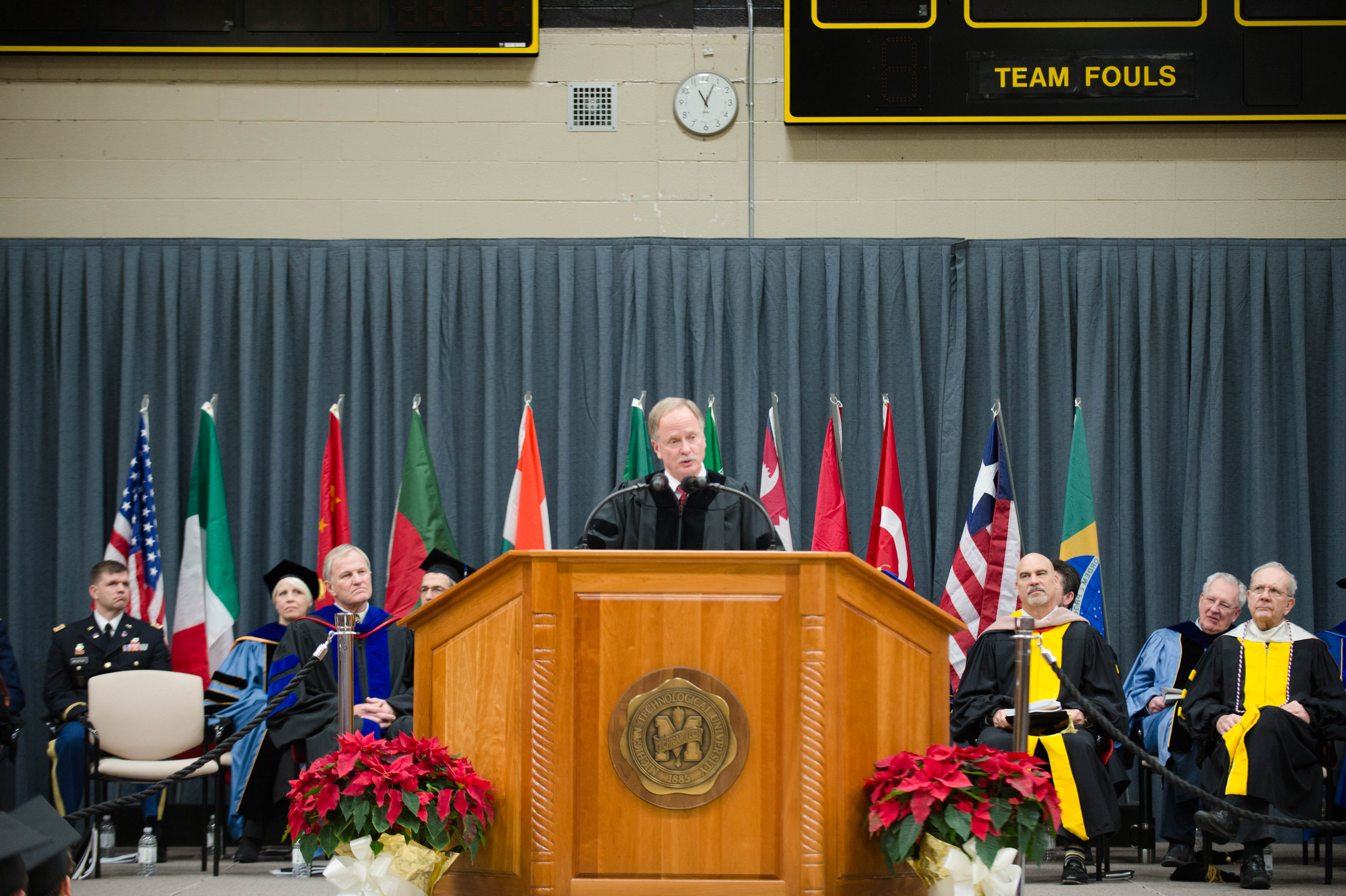 Mid–year Commencement 12172016050