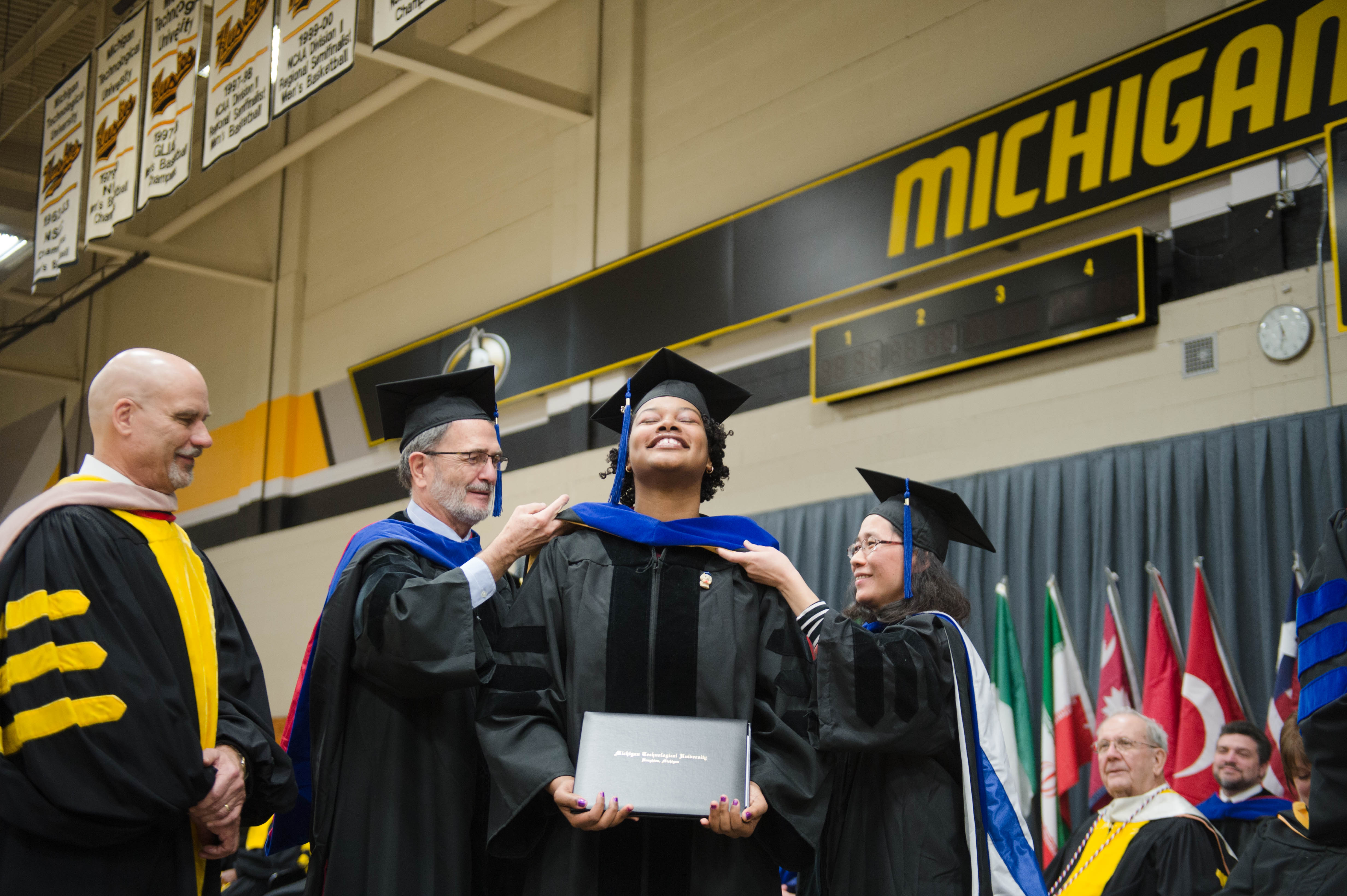 Mid–year Commencement 12172016063