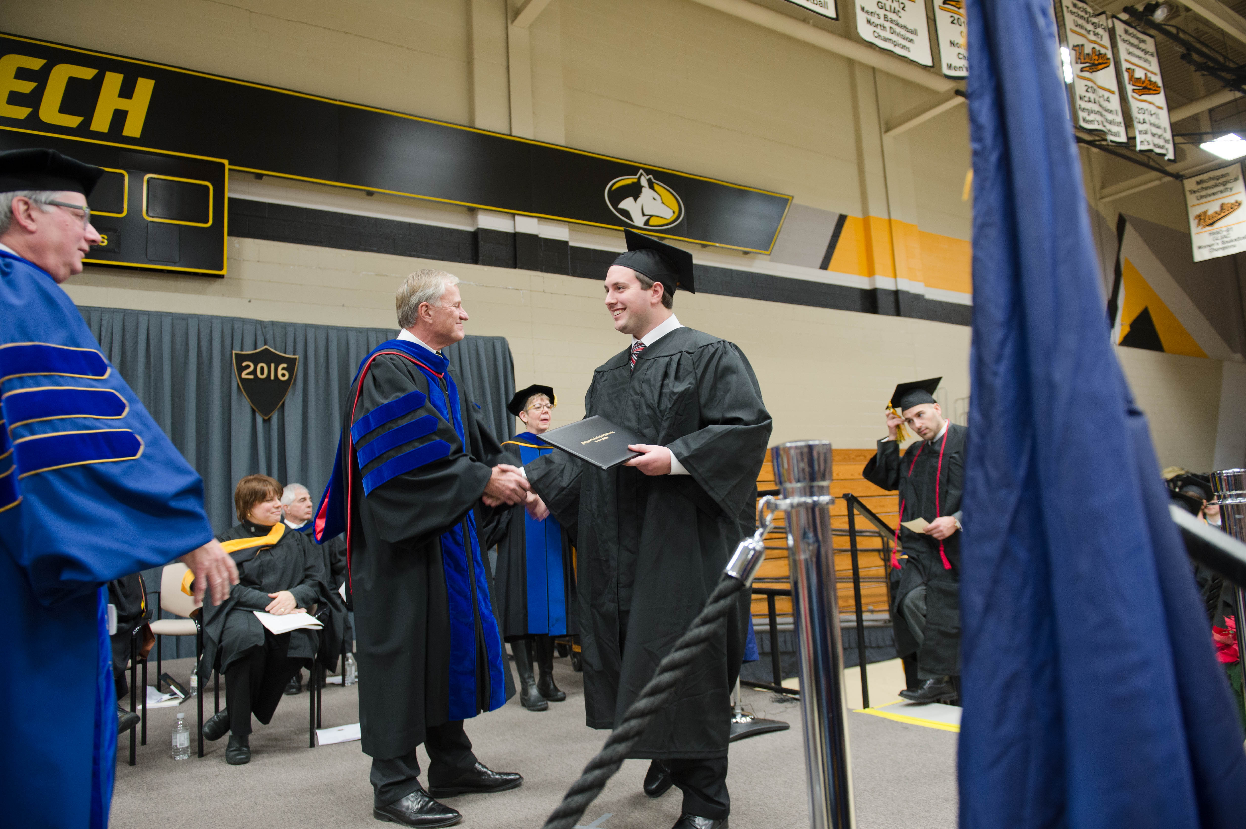 Mid–year Commencement 12172016120