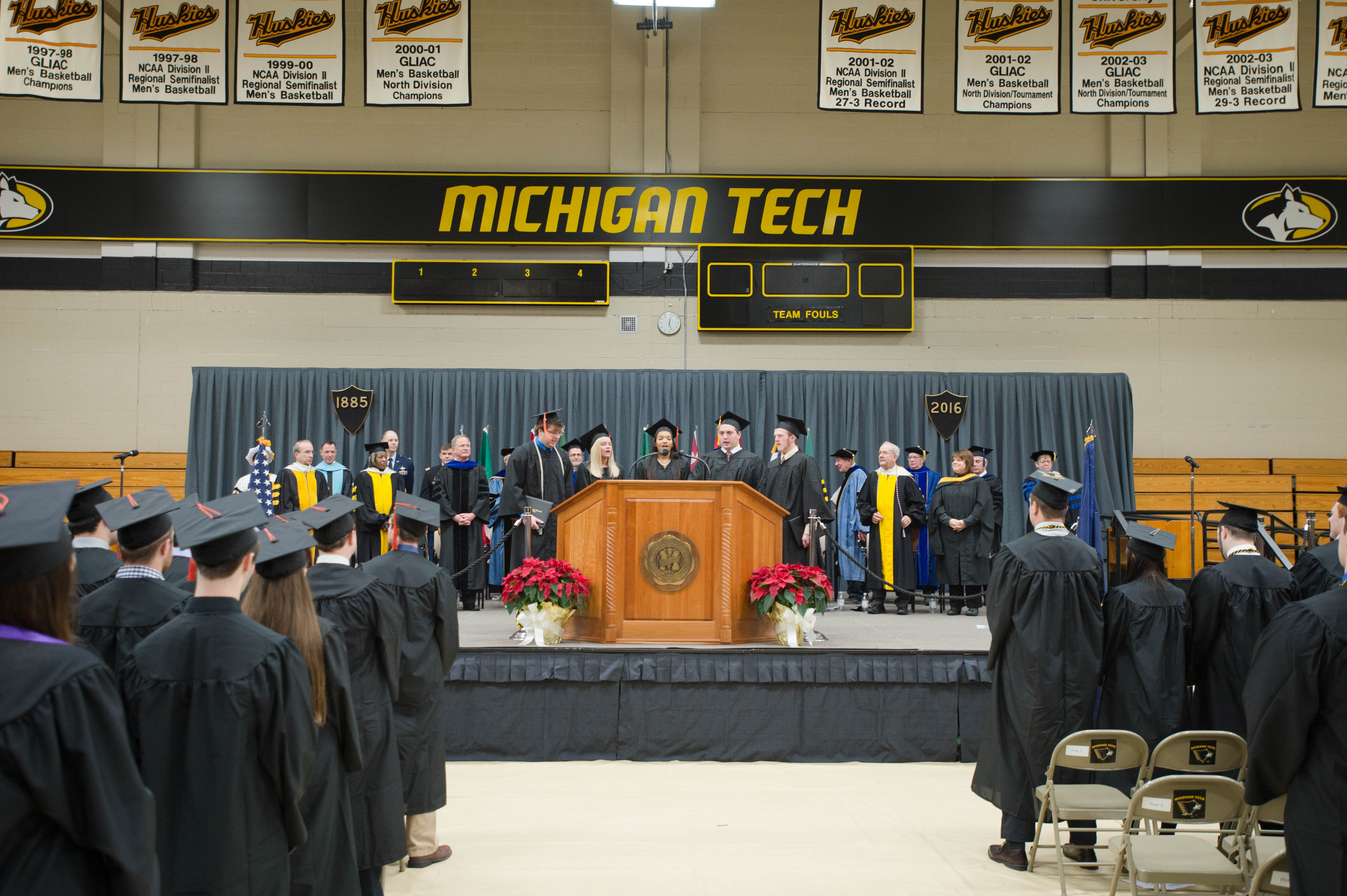 Mid–year Commencement 12172016131