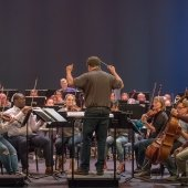 Conductor Joel Neves with the Keweenaw Symphony Orchestra.