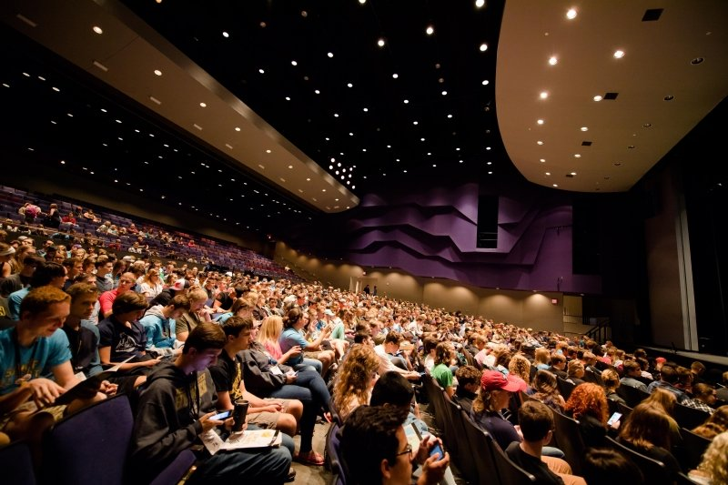 picture of the Murmrr Theatre of Tori Amos concert